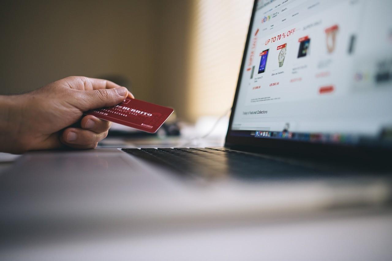 قوالب ووردبريس مدفوعة للمتاجر الإلكترونية ووكومرس – مقارنة مبسطة لاختيار أفضل قالب WooCommerce